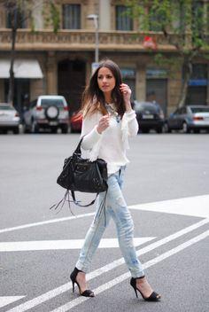 Pants: Zara, Sweater: Zara, Bag: Balenciaga, Shoes: Zara, Necklace: Friis & Company