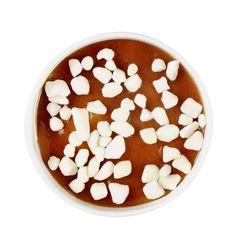 Glace façon Mont-blanc, Toupargel Une crème glacée Mont-blanc ? On dirait presque une périphrase ! Dans ces petits pots qui reprennent la mythique pâtisserie, on retrouve de la crème glacée à la crème de marrons, une sauce crème de marrons et des grains de sucre qui craquent sous la dent. La neige en plein soleil, on adore.