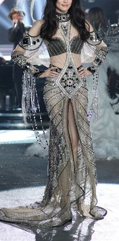 Why do I think of Cher when I see this dress? Maybe because she would look stunning in it! What the Nightingale a Braavosi courtesan would...