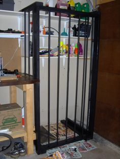 DIY prop cage with two rubber tubing bars so whoever/whatever is inside can bend them and escape unexpectedly. Nice effect. (Instructions included)