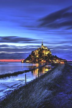 Mont St Michel by jean-yves Provost Beautiful Paris, Beautiful Castles, Beautiful Places In The World, Places Around The World, Mont Saint Michel France, Le Mont St Michel, Places To Travel, Places To See, Foto Art