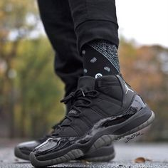 tag someone who would want a custom pair of blackout retro 11s