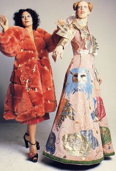 my both Berry's wearing designs 1970's FONG Willink brother LENG Dutch Mathilde with her designer muse UqUwv8B