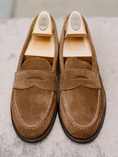 Alden unlined penny loafer (hand-sewn on the last) in snuff suede. Suede Loafers, Penny Loafers, Suede Shoes, Loafer Shoes, Loafers Men, Sock Shoes, Men's Shoes, Shoe Boots, Dress Shoes