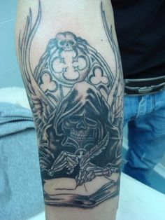 Tatuaje de calavera realizado en nuestro centro de Montera de Madrid.  #tattoo #tattoos #tattooed #tattooing #tattooist #tattooart #tattooshop #tattoolife #tattooartist #tattoodesign #tattooedgirls #tattoosketch #tattooideas #tattoooftheday #tattooer #tattoogirl #tattooink #tattoolove #tattootime #tattooflash #tattooedgirl #tattooedmen #tattooaddict#tattoostudio #tattoolover #tattoolovers #tattooedwomen#tattooedlife #tattoostyle #tatuajes #tatuajesmadrid #ink #inktober #inktattoo #inkedgirls
