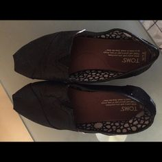 Toms shoes blk with glitter Size 7.5 TOMS Shoes Flats & Loafers