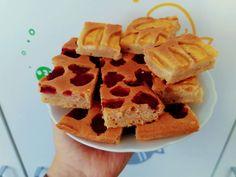 Osvěžující bublanina bez mléka, takže vhodná i při ABKM. Waffles, Breakfast, Food, Morning Coffee, Meals, Waffle, Morning Breakfast