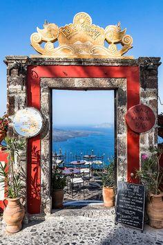 The wonderfuls island of the cyclades. Fira Greece, Fira Santorini, Santorini Island, Mykonos, Beautiful World, Beautiful Places, Yellow Interior, Greece Travel, Greek Islands