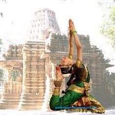 bharatanatyam_839_s.jpg (397×400)