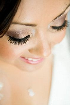 i would want my wedding make-up to be something like this. :)