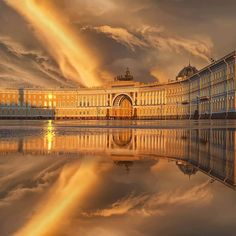 From Russia with love. An awe-inspiring sunset in St Petersburg, Russia. Шикарный закат в Санкт-Петербурге, Россия Repost St Pétersbourg Rússie, Winter Palace, St Petersburg Russia, Travel Goals, Eastern Europe, Travel Destinations, Travel Photography, Beautiful Places, Scenery
