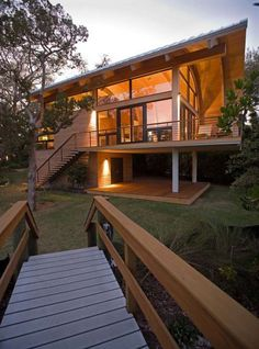 Wood Casey Key Guest House Design By Totems Architecture Home Architecture Design Images Wooden House Design, House Design Photos, Style At Home, Architecture Design, Surf House, Casas Containers, Bungalows, Home Fashion, Future House