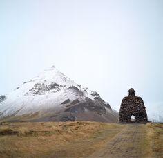 The clifftop, seaside walk between Arnarstapi and Hellnar on the southern…