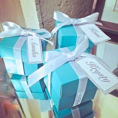 Pre-filled Personalised Wedding Favors Baby Shower Favors Party Favors Filled with Chocolates and Name Tag