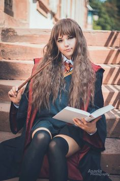 Hermione G by Check out. Best Cosplay, Cosplay Girls, Dreadlocks, Punk, Long Hair Styles, Female, Model, Pictures, Beauty