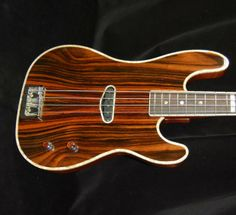 Memphis Guitar Spa Cinnamon Gurl Bass