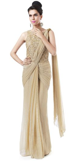 Gold saree gown adorn in cord embroidery only on Kalki Sari Design, Sambalpuri Saree, Saree Dress, Trendy Sarees, Stylish Sarees, Saree Draping Styles, Saree Styles, Designer Blouse Patterns, Designer Dresses