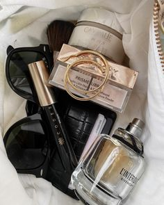 Beauty Essentials, Givenchy, Beige Aesthetic, Loose Powder, Beauty Editorial, My Beauty, Beauty Photography, Glowing Skin, Cosmetic Bag