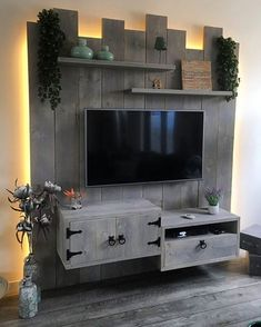 Cool DIY Wooden Pallet TV Console Ideas for your Project pallet # Ideas - Eingangshalle - Crafts Palette Tv, Palette Deco, Wooden Pallet Furniture, Wood Pallets, Diy Furniture, Furniture Projects, Outdoor Furniture, Tv Pallet, Cool Diy