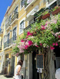 Lisboa, a small typical food cafe