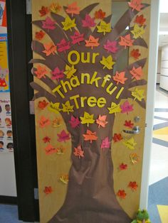 """The Thankful Tree"" : students write down something they are thankful for on leaves and place them on the tree"