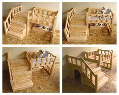 """Casa para Cachorros, feita sob medida.  Sob a escada há uma casinha, e na parte de baixo do """"beliche"""" tem um suporte com 3 vasilhas de inox. O cachorro na foto é o Mambo - não incluso !"""