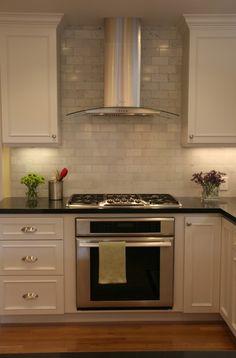 kitchen range hood and backsplash
