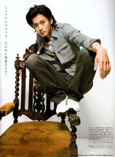 Shun Oguri 小栗 旬 - Actor with so much depth. Best roles - Noburo in GTO, Hanazawa Rui in Hana Yori Dango, Takakura So in Tokyo Dogs, Hyuga Touru in Rich Man, Poor Woman, Takiya Genji in Crows Zero, Sanpo Shimazaki in Gaku: Minna no Yama