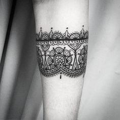 A tattoo ornamental de Carol!!! Mto obrigafo e até breve!!! Contato para agendamento e orçamento 27 999805879 com @bruno_a_luppi #kadutattoo #tat #tattoo #tattooed #tatuagem #tatuagemfeminina #tatuagensdelicadas #ornamental #ornamentaltattoo #arabescos #line #linework #fineline #black #blackwork #blackworktattoos #dotwork #inked #indian