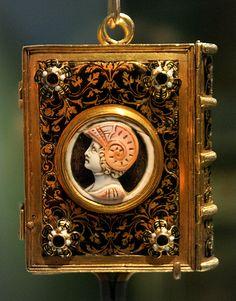 Girdle Book Victoria And Albert Museum - British Galleries