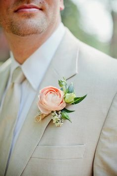 love this sandy beige suit tram with the perfect peach bloom and buds