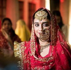 Confused with the statement bridal nath for your bridal look? Think no more as you can without any doubt include this one in your bridal look. Indian Bridal Outfits, Indian Bridal Fashion, Indian Wedding Jewelry, Bridal Jewelry, Silver Jewelry, Silver Earrings, Silver Ring, Tikka Jewelry, Bridal Looks