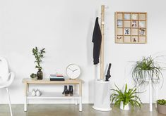 White and wood entryway solutions | Umbra