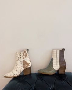 Serna booties in brown multi croco print leather - Trend Shes 2020 Cute Shoes, Me Too Shoes, Cowboy Chic, Facon, Crazy Shoes, Cowgirl Boots, Look Cool, Cool Outfits, Trendy Outfits