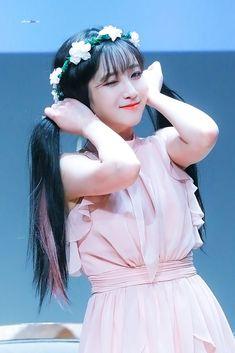 """포토쟤닉📷 on Twitter: """"[#Lovelyz] [📸] 2019.01.05 [SANCTUARY] Fansign #유지애 #Jiae #ジエ… """" Lovelyz Jiae, Woollim Entertainment, Girl Group, Idol, Disney Princess, Anime, Beauty, Wallpaper, Girls"""