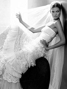 Valentino Wedding Dresses Fall 2009 | Fashion & Wear - Geniusbeauty.com: Magazine for Beautiful Women