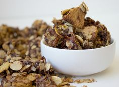 A recipe for Chocolate Graham Granola! Healthy Dishes, Healthy Treats, Healthy Desserts, Healthy Food, Healthy Eating, Healthy Recipes, Clean Recipes, Dog Food Recipes, Cooking Recipes