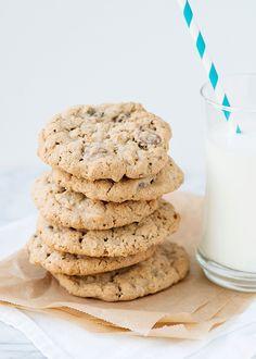 Baked Bree | Whole Grain Chocolate Chip Cookies [WEEK 1 OF 12 WEEKS OF CHRISTMAS TREATS]