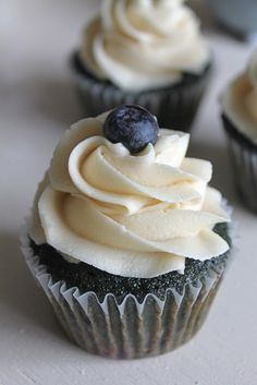 Blueberry Blueberry Cupcakes with Brown Sugar Buttercream - Visit to grab an amazing super hero shirt now on sale! Cupcake Flavors, Gourmet Cupcakes, Baking Cupcakes, Yummy Cupcakes, Cupcake Cookies, Cupcake Recipes, Dessert Recipes, Fruit Cupcakes, Giant Cupcakes