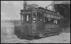 https://flic.kr/p/F8GuBd | Το τραμ Νο. 17, που εκτελούσε το δρομολόγιο Νέο Φάληρο - Άγιος Βασίλειος.