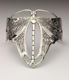 Art Nouveau dragonfly armband ~   Design inspired by the famous designer René Lalique, jeweler and glass artist (1880-1945)  Manufactured in the Netherlands with the old molds of former  Van Kempen and Begeer