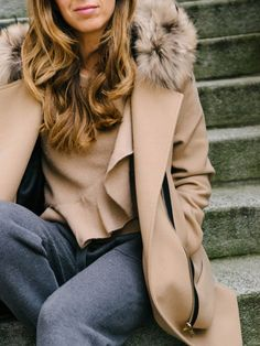 Camel & Grey Sandro, Camel, Zara, Sneakers Nike, My Style, Grey, Coat, Sweaters, Outfits