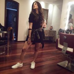 giovanna grigio tenis branco Chill Outfits, Casual Outfits, Fashion Outfits, Womens Fashion, Looks Style, My Style, Sneakers Street Style, Tumblr Girls, Girls Be Like