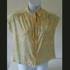 Pussybow collared blouse Size M/L $10
