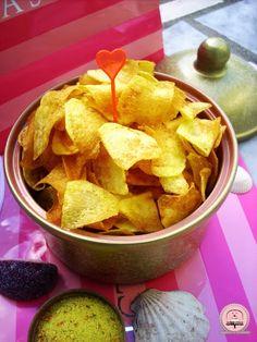 homemade chips Domaći čips za savršenu filmsku večer | Happiness is Homemade Great Recipes, Snack Recipes, Snacks, Happiness Is Homemade, Happy Kitchen, Starters, Homemade Chips, Cooking, Food