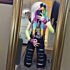 omfg emmas so iconic Scene Outfits, Emo Outfits, Kids Outfits, Cute Scene Girls, Scene Kids, Emo Scene Hair, Emo Hair, Alternative Outfits, Alternative Fashion