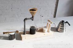 パイプと板を組み合わせてコーヒーメーカーをDIY!