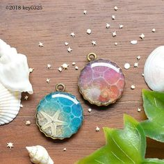 Epoxy Resin Art, Diy Resin Art, Diy Resin Crafts, Uv Resin, Jewelry Crafts, Diy And Crafts, Glue Gun Crafts, Resin Jewelry Making, Resin Charms