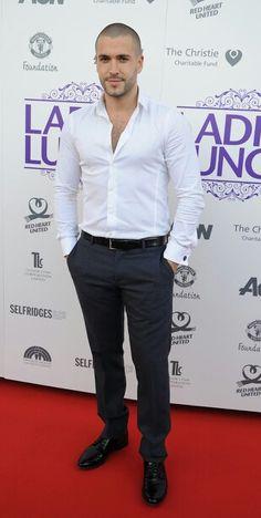 Shayne ward Coronation Street Actors, Shayne Ward, Soccer Guys, Bald Men, Sexy Men, Hot Men, Suit And Tie, Haircuts For Men, Stylish Men