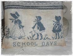 BROCANTE TOYS BRODERIE: School Days